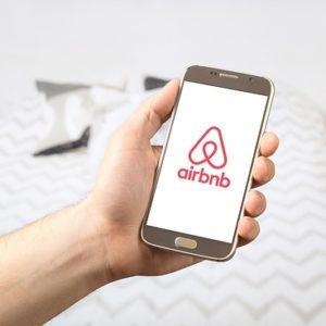 Мобильное приложение Airbnb. Фото: pixabay.com.